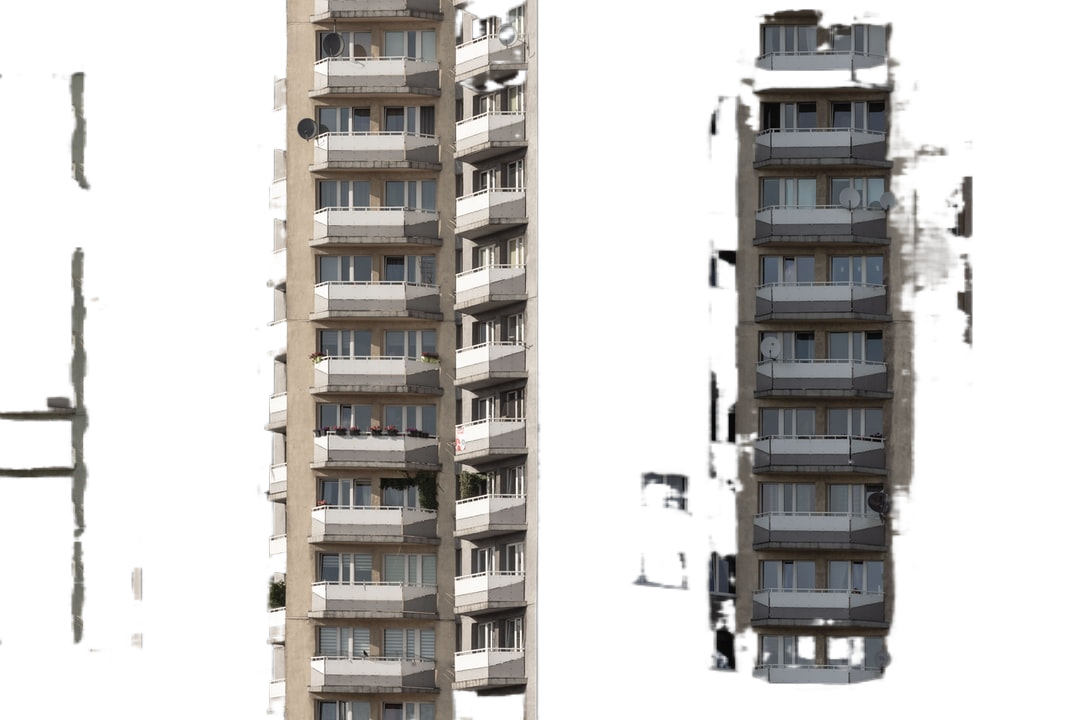 gray concrete apartment complex